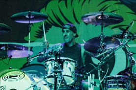 COSTA MESA, CA - MARCH 17: Blink-182 performs at Musink Festival at OC Fair & Event Center in Costa Mesa, California on March 17, 2018. (Photo: James Alvarez/Aesthetic Magazine)