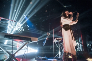 TORONTO, ON - MARCH 13: Ella Vos performs at Mod Club in Toronto on March 13, 2018. (Photo: Jaime Espinoza/Aesthetic Magazine)