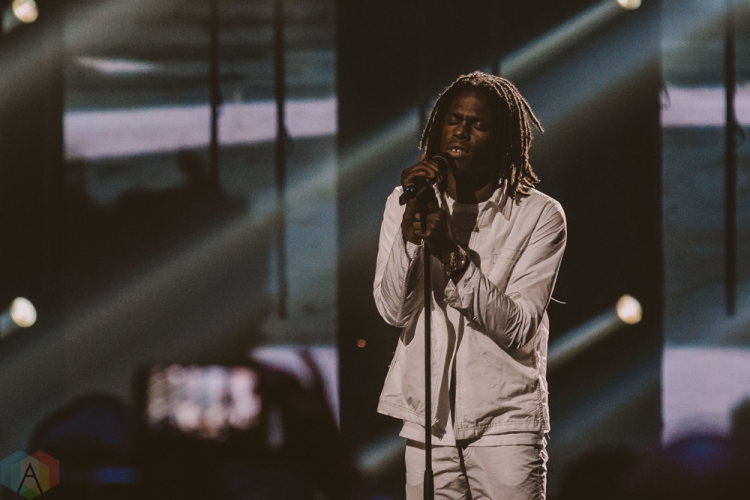 VANCOUVER, BC - MARCH 25: Daniel Caesar performs at the Juno Awards at Rogers Arena in Vancouver on March 25, 2018. (Photo: Tim Nugyen/Aesthetic Magazine)