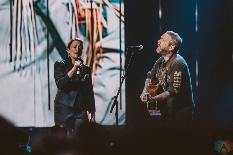 VANCOUVER, BC - MARCH 25: Sarah Harmer (L) and Dallas Green perform at the Juno Awards at Rogers Arena in Vancouver on March 25, 2018. (Photo: Tim Nugyen/Aesthetic Magazine)
