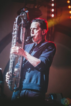 SEATTLE, WA - MARCH 07: They Might Be Giants performs at Neptune Theatre in Seattle on March 07, 2018. (Photo: Daniel Hager/Aesthetic Magazine)