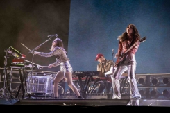 INDIO, CA - APRIL 21: Haim performs at Coachella at Empire Polo Club in Indio, California on April 21, 2018. (Photo: Mark Ostrom)