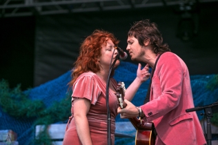 Charleston, NC - APRIL 22: Shovels And Rope performs at High Water Festival in Charleston, South Carolina on April 22, 2018. (Photo: Kari Terzino/Aesthetic Magazine)