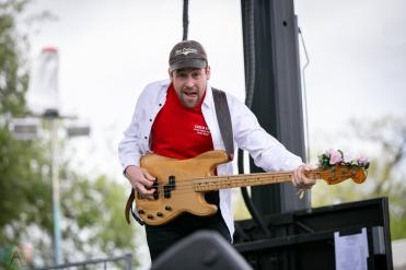 Charleston, NC - APRIL 21: Weaves performs at High Water Festival in Charleston, South Carolina on April 21, 2018. (Photo: Kari Terzino/Aesthetic Magazine)