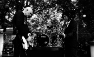 STUDIO CITY, CA - JUNE 28: (L-R) Billy Corgan, Jimmy Chamberlin, and James Iha of The Smashing Pumpkins perform during the 1979 House Party at a private residence on June 28, 2018 in Studio City, California. (Photo: Kevin Mazur/Getty)