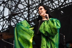 TORONTO, ON - JULY 30: Allie X performs at Echo Beach in Toronto on July 30, 2018. (Photo: Morgan Hotston/Aesthetic Magazine)