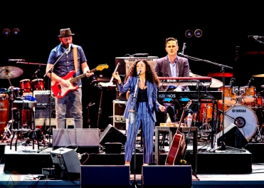 LOS ANGELES, CA - JULY 18: Corinne Bailey Rae performs at Hollywood Bowl in Los Angeles on July 18, 2018. (Photo: Melanie Escombe/Aesthetic Magazine)