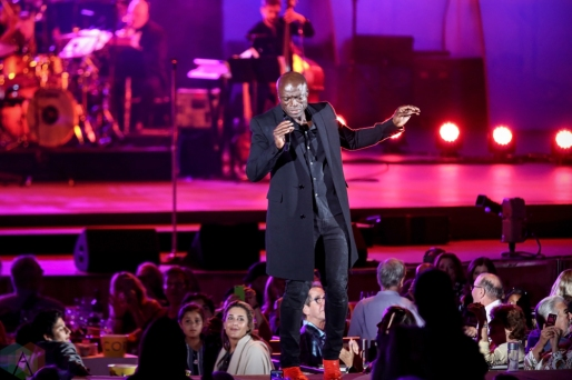LOS ANGELES, CA - JULY 18: Seal performs at Hollywood Bowl in Los Angeles on July 18, 2018. (Photo: Melanie Escombe/Aesthetic Magazine)