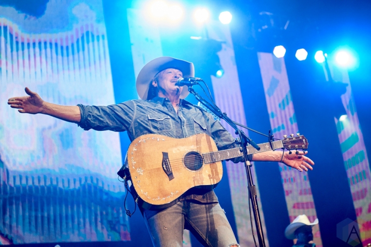 ORO-MEDONTE, ON - AUGUST 11: Alan Jackson performs at Boots And Hearts Music Festival at Burl's Creek in Oro-Medonte, ON on August 11, 2018. (Photo: Morgan Harris/Aesthetic Magazine)