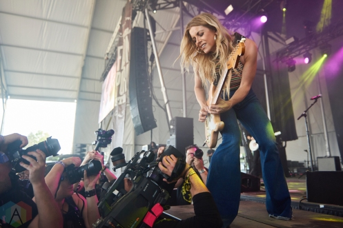 ORO-MEDONTE, ON - AUGUST 12: Lindsay Ell performs at Boots And Hearts Music Festival at Burl's Creek in Oro-Medonte, ON on August 12, 2018. (Photo: Morgan Harris/Aesthetic Magazine)
