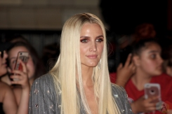 TORONTO, ON - AUGUST 26: Ashlee Simpson attends iHeartRadio MMVAS red carpet in Toronto, Ontario on August 26, 2018. (Photo: Curtis Sindrey/Aesthetic Magazine)