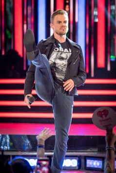 TORONTO, ON - AUGUST 26: Derek Hough presents at the iHeartRadio MMVAs in Toronto, Ontario on August 26, 2018. (Photo: Angelo Marchini/Aesthetic Magazine)
