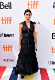 "TORONTO, ON - SEPTEMBER 08: Penélope Cruz attends the ""Everybody Knows"" premiere during 2018 Toronto International Film Festival at Roy Thomson Hall on September 8, 2018 in Toronto, Canada. (Photo by George Pimentel/Getty Images for TIFF)"