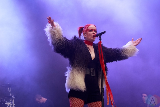 SAN BERNARDINO, CA - OCTOBER 06: Garbage performs at Cal Jam at Glen Helen Regional Park in San Bernardino, California on October 06, 2018. (Photo: James Alvarez/Aesthetic Magazine)