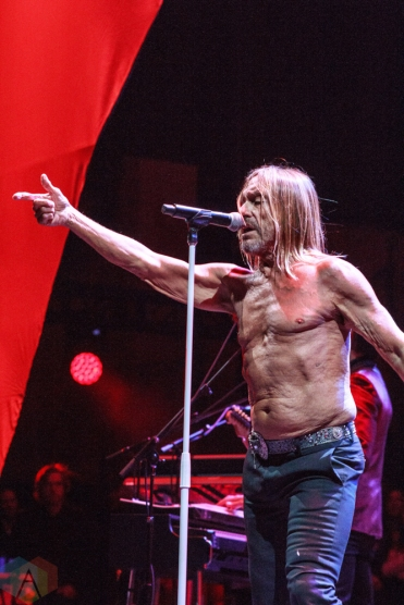 SAN BERNARDINO, CA - OCTOBER 06: Iggy Pop performs at Cal Jam at Glen Helen Regional Park in San Bernardino, California on October 06, 2018. (Photo: James Alvarez/Aesthetic Magazine)