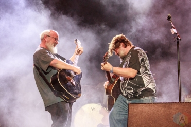 SAN BERNARDINO, CA - OCTOBER 06: Tenacious D performs at Cal Jam at Glen Helen Regional Park in San Bernardino, California on October 06, 2018. (Photo: James Alvarez/Aesthetic Magazine)