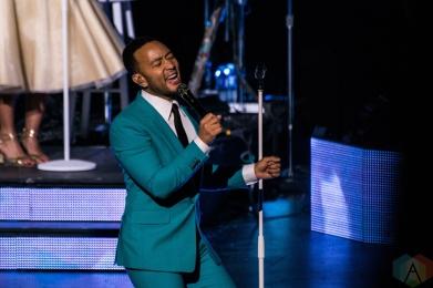 TORONTO, ON - NOVEMBER 27: John Legend performs at Sony Centre in Toronto on November 27, 2018. (Photo: Joanna Glezakos/Aesthetic Magazine)