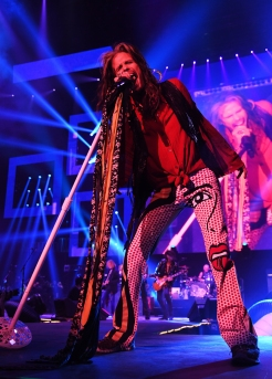 ATLANTA, GA - FEBRUARY 01: Steven Tyler of Aerosmith performs at Super Bowl Music Fest at State Farm Arena on February 1, 2019 in Atlanta, Georgia. (Photo: Kevin Mazur/Getty)