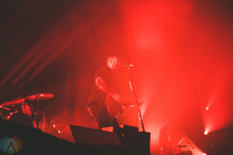CHICAGO, IL - FEBRUARY 05: Thrice performs at Aragon Ballroom in Chicago on February 05, 2019. (Photo: Rob Haberman/Aesthetic Magazine)