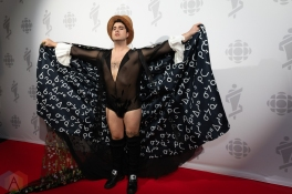 LONDON, ON - MARCH 17: Jeremy Dutcher attends the 2019 Juno Awards red carpet at Budweiser Gardens in London, Ontario on March 17, 2019. (Photo: Brendan Albert/Aesthetic Magazine)