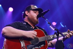 OSHAWA, ON - MARCH 29: Luke Combs performs at Tribute Communities Centre in Oshawa on March 29, 2019. (Photo: Breanna Dennie/Aesthetic Magazine)