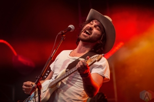 TEMPE, AZ - MARCH 03: Shakey Graves performs at Innings Festival in Tempe, Arizona on March 03, 2019. (Photo: Tony Contini/Aesthetic Magazine)