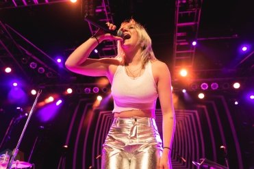 CHICAGO, IL - APRIL 27: Carlie Hanson performs at House of Blues Chicago in Chicago, Illinois on April 27, 2019. (Photo: Katie Kuropas/Aesthetic Magazine)
