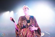 CHICAGO, IL - MAY 17: Betty Who performs at The Vic Theatre in Chicago on May 17, 2019. (Photo: Katie Kuropas/Aesthetic Magazine)