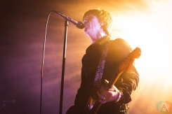 CHICAGO, IL - MAY 13: Johnny Marr performs at the Vic Theatre in Chicago on May 13, 2019. (Photo: Katie Kuropas/Aesthetic Magazine)