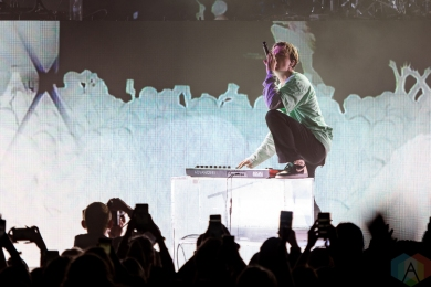 DETROIT, MI - MAY 08: Lany performs at The Fillmore in Detroit on May 08, 2019. (Photo: Jennifer Boris/Aesthetic Magazine)