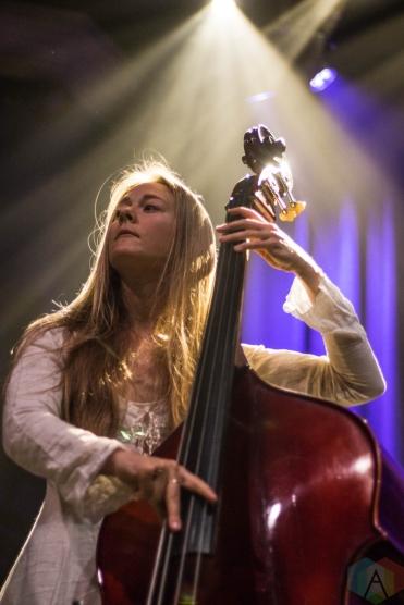 WASHINGTON, D.C. - MAY 12: Vera Sola performs at 9:30 Club in Washington D.C. on May 12, 2019. (Photo: Lauren Fuchs/Aesthetic Magazine)