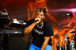 MANCHESTER, TN - JUNE 15: Juice WRLD performs at Bonnaroo on June 15, 2019. (Photo: Michael Hurcomb/Aesthetic Magazine)