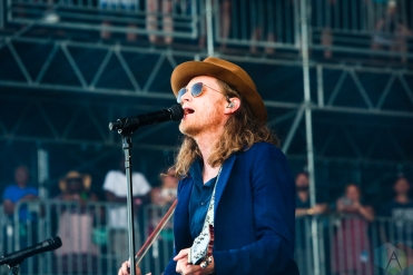 MANCHESTER, TN - JUNE 16: Wesley Schultz of The Lumineers performs at Bonnaroo on June 16, 2019. (Photo: Michael Hurcomb/Aesthetic Magazine)