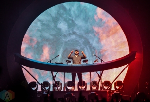 LOS ANGELES, CA - MAY 31: Jai Wolf performs at Shrine Expo Hall in Los Angeles, California on May 31, 2019. (Photo: Kelli Binnings/Aesthetic Magazine)