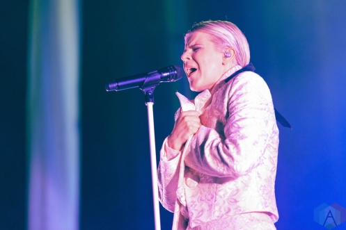 CHICAGO, IL - JULY 21: Robyn performs at Pitchfork Music Festival in Chicago on July 21, 2019. (Photo: Katie Kuropas/Aesthetic Magazine)