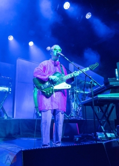 BROOKLYN, NY - SEPTEMBER 03: Hot Chip performs at Brooklyn Steel in Brooklyn, New York on September 03, 2019. (Photo: Alx Bear/Aesthetic Magazine)