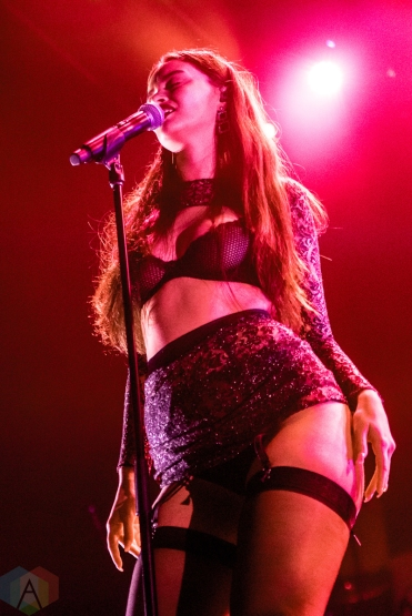 TORONTO, ON - OCTOBER 16: Sabrina Claudio performs at Rebel in Toronto on October 16, 2019. (Photo: Jaime Espinoza/Aesthetic Magazine)