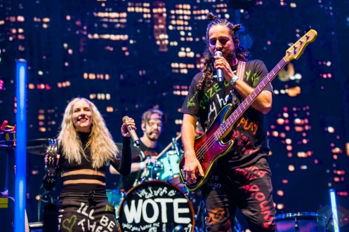 TORONTO, ON – SEPT 12: Walk Off The Earth performs at OLG Play Stage in Toronto on September 12, 2020. (Photo: Joanna Glezakos/Aesthetic Magazine)