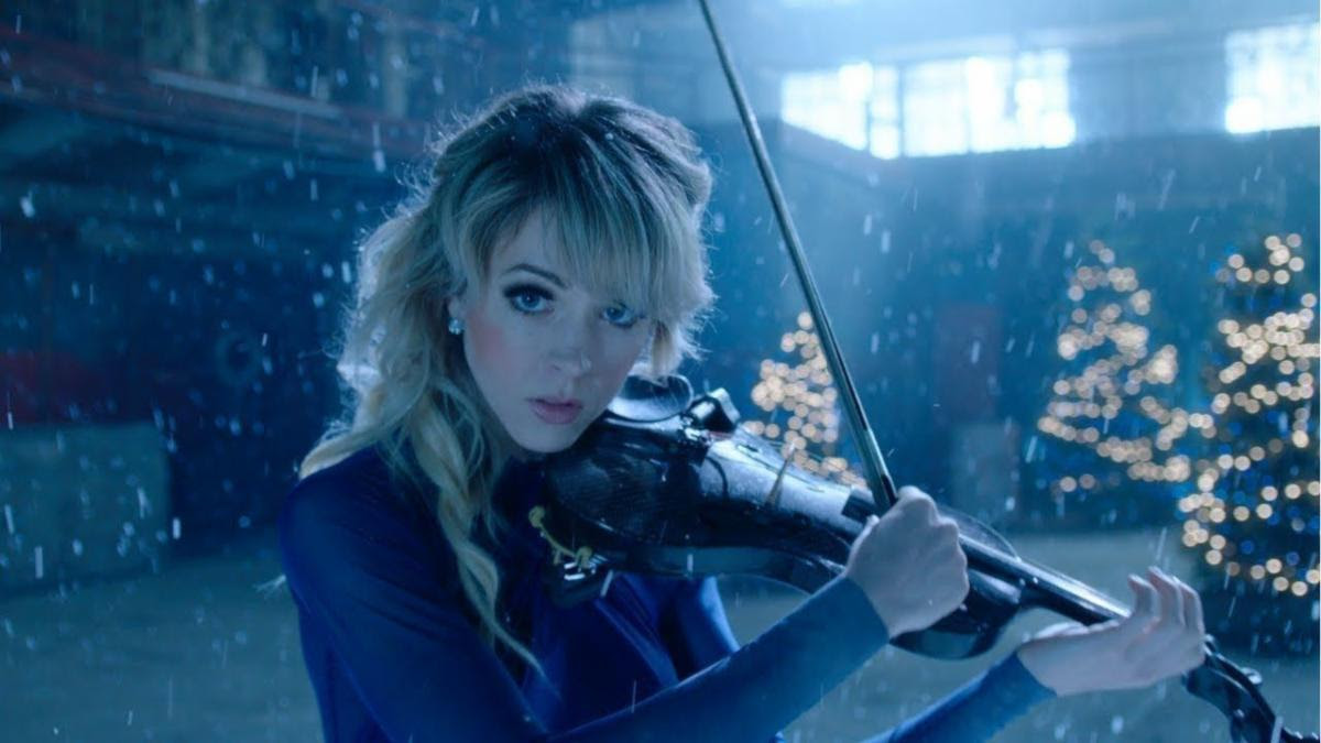 """Lindsey Stirling On Country Christmas 2020 Podcast Lindsey Stirling Announces """"Lindsey Stirling: Home for the"""