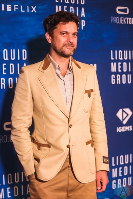 Monday evening saw Liquid Media Group's in-person gala event, Big Splash, take place at Toronto's iconic Windsor Arms Hotel. Hosted by Canadian actor Joshua Jackson (Dawson's Creek, Dr Death), the formal setting - which happily complied with Covid-19 protocols - celebrated TIFF 2021 and its quest for bringing independent and international cinema to the forefront. Walking the red carpet, notable attendees included Eric Benet (singer), Adam Swain (The Hardy Boys), Sharon Taylor (Big Sky), Zach Smadu (Family Law), Megan Park (The Fallout), Chris Sandiford (What We Do In The Shadows), Daniel Mazzone (Artist). Ultimately, the lively party was a resounding hit (with food, DJ, and photo booth).